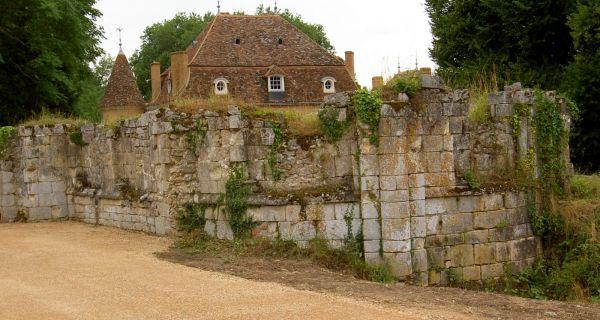 La résurrection du prieuré de Longefont. Une anastylose, projet familial et fontevriste exemplaire.
