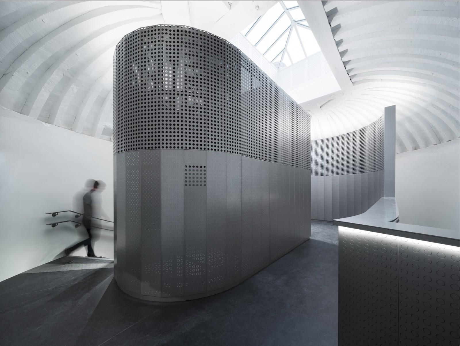 Musée 11 Conti de la Monnaie de Paris, escalier de la matière transformée, Philippe Prost, architecte / AAPP © adagp – 2017 © Aitor Ortiz.