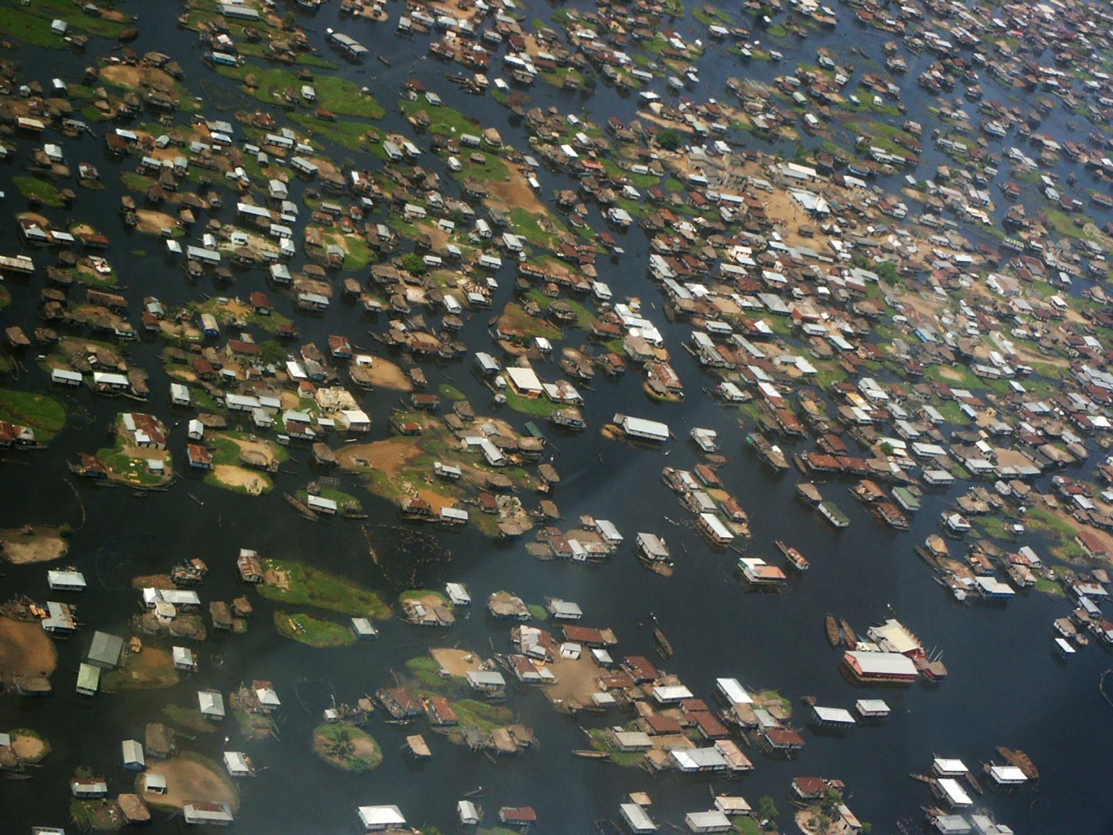 Vue aérienne du Lac Nokoué. © Anne Chaperon
